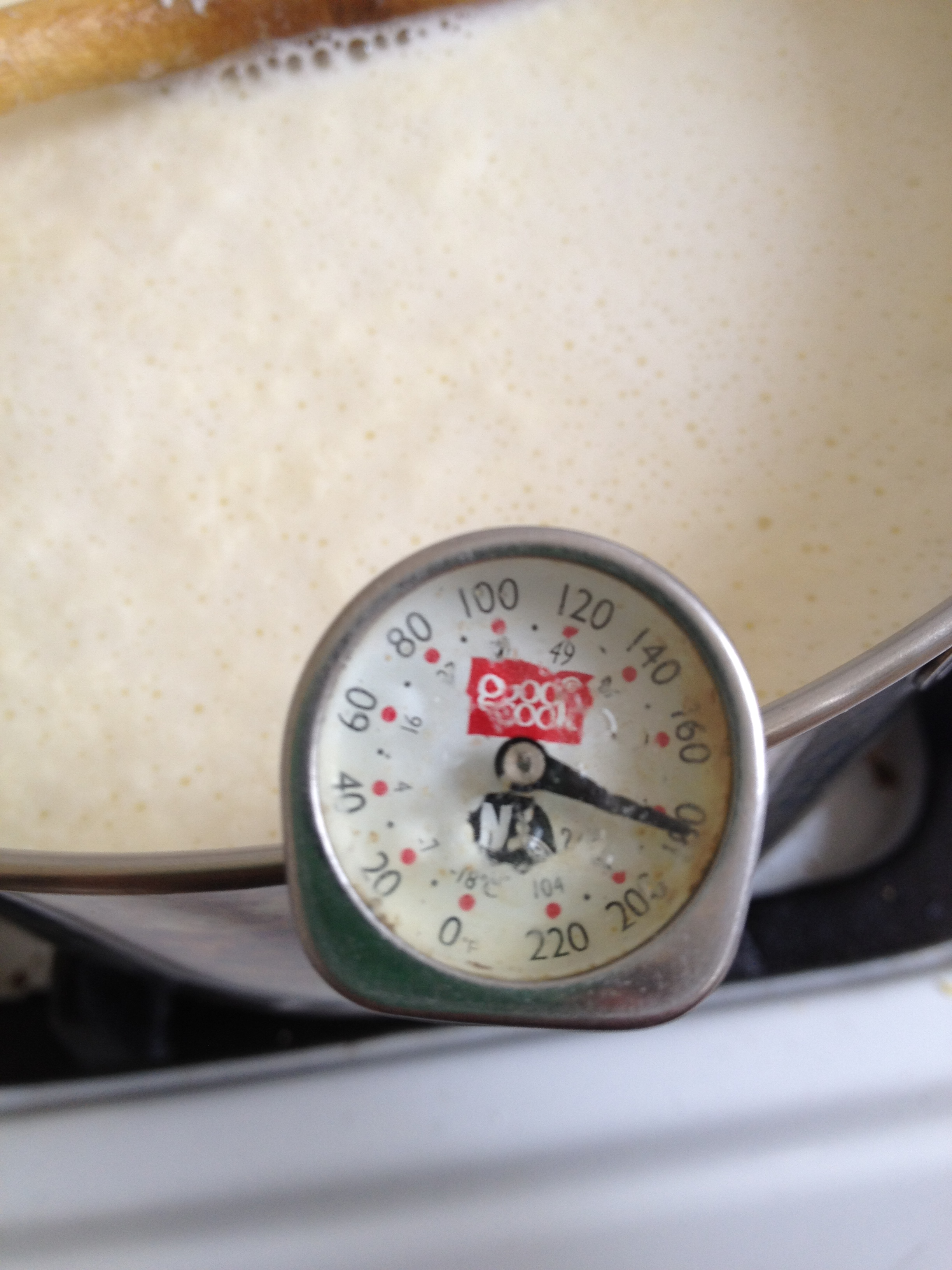 how to clean the bottom of burnt saucepan